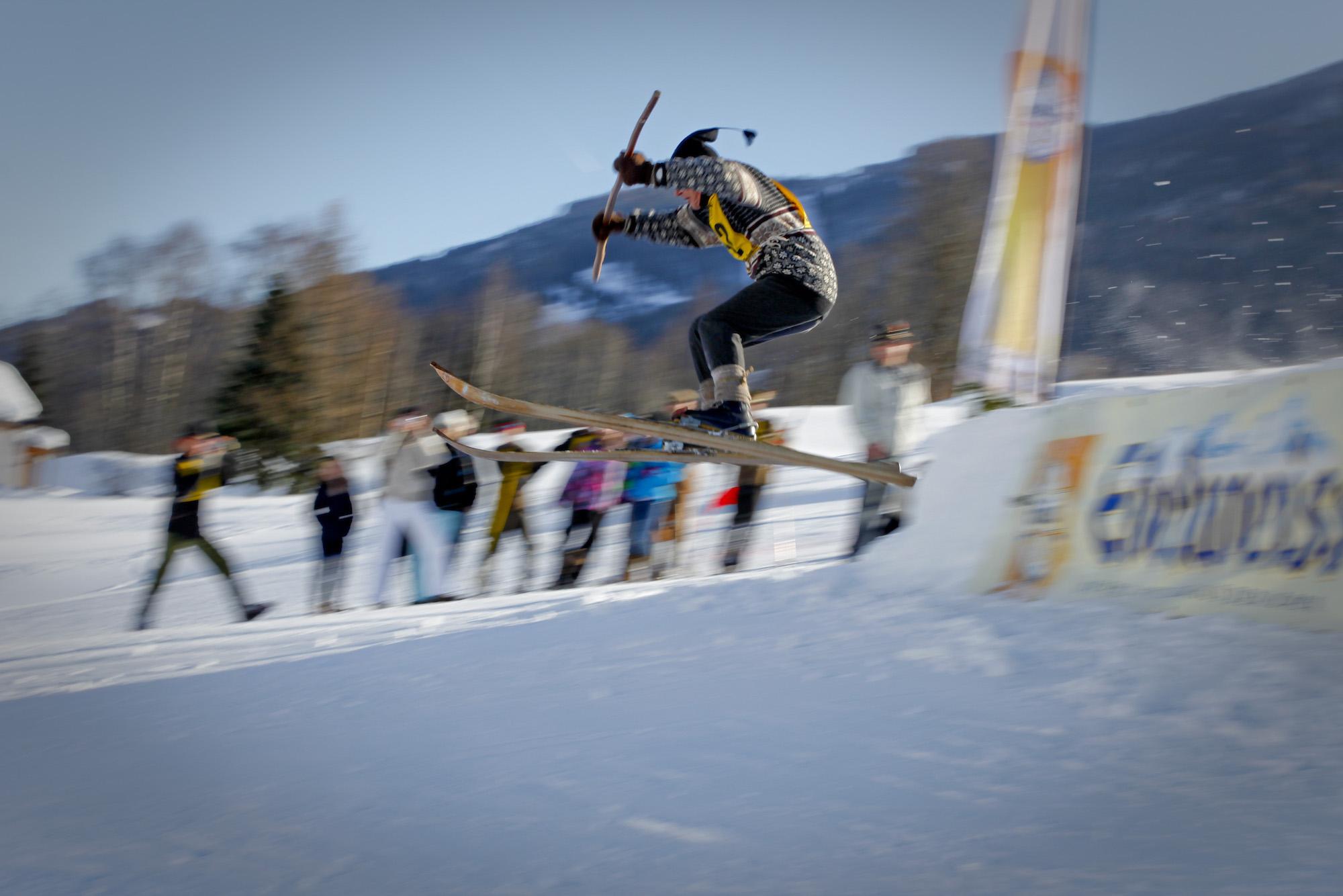 Vom Museum auf die Piste – 7. Nostalgie-Ski-Weltmeisterschaft in Saalfelden Leogang
