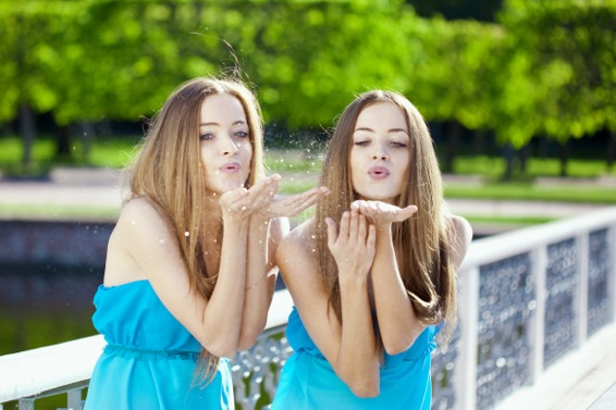 Kärntner sehen doppelt? Ja klar, am 30. Internationalen Zwillingstreffen Ende Mai!