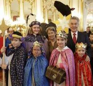 60 Jahre Sternsingen – König/innen aus ganz Österreich feiern mit Bundespräsident Fischer