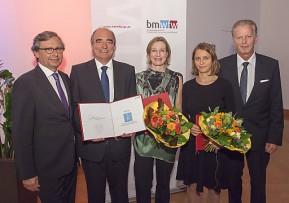 Mitterlehner vergibt Wissenschaftspublizistikpreis an Andreas Novak